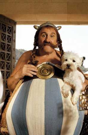 Gérard Depardieu as Obelix in  Astérix et Obélix contre César