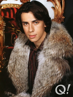 Maxim Galkin in furs. Funny that he didn't advise Monsieur Depardieu on the quality of pelts...