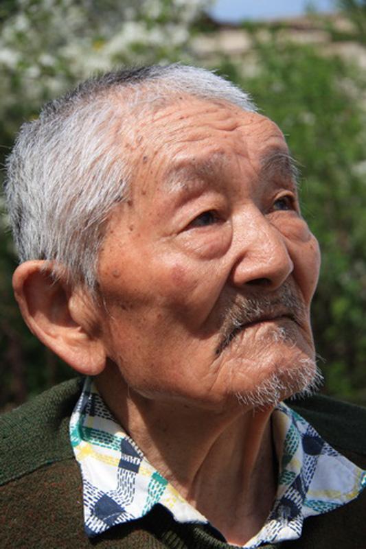 Esiteru Nakagawa. Former pilot is oxymoron.