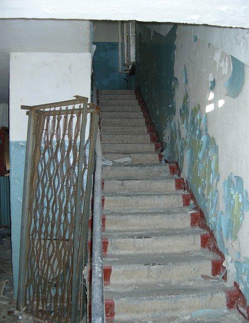 stairwell99.jpg